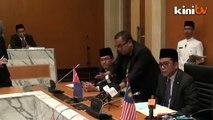 Johor MB denies facing pressure from Umno