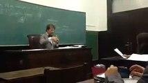 """USP: Alunos invadem aula de direito em que o professor defendia a """"Revolução de 1964""""."""