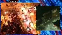 Ferguson Riots looting LIVE- Ferguson Protestor Grabs - CHAOS IN FERGUSON