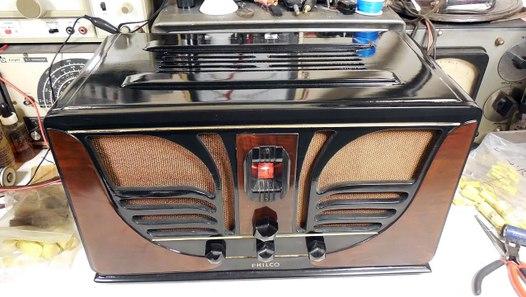 Philco Butterfly Radio Model 28