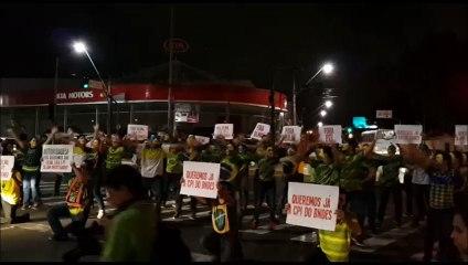 Manifestantes dançam em novo ato contra Dilma