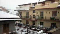 Grande nevicata a Pescara con 10 cm di neve il 16 Dicembre 2010 ore 10.mp4