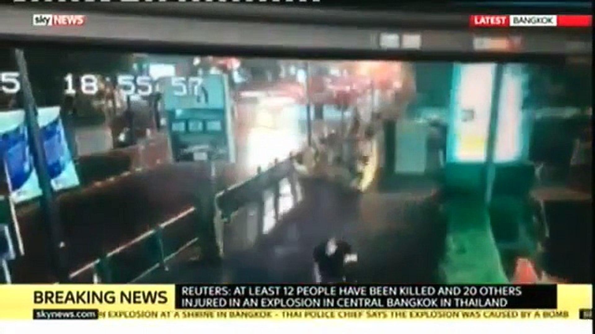 Así fue la explosión de un centro comercial en Bangkok