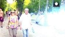 Los asistentes al festival de Sziget donan sus tiendas de campaña a los refugiados en Hungría