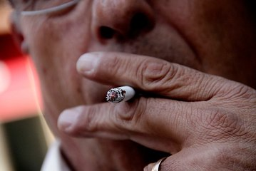 Reportajes a fondo: ¿Es realmente funcional la hipnosis para dejar las adicciones? - CHV NOTICIAS