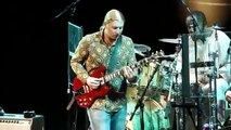 Derek Trucks Amazing Slide Guitar Solo - Down in the Flood - The Derek Trucks Band