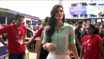 HEROPANTI ACTRESS Kriti Sanon goes back to college: Looking cute as a button, the dainty beauty attended a college festival