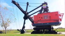 Strange & Extreme MEGA MACHINES - Tanks, Trains, Trucks, Ships, & Planes (Pictures & Music