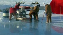 """Hot water ice drill cuts giant """"ice cubes"""" out of Arctic sea ice"""