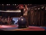 Atelier Boulle d'équilibre à Crea spectacles Caen Sous le chapiteau de CREA, on découvre les techniques de jonglerie