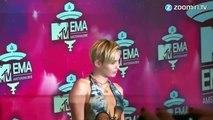 Miley Cyrus dedicates racy shots to armpit hair