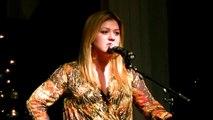 Stronger - Kelly Clarkson (Night for Hope 2012)
