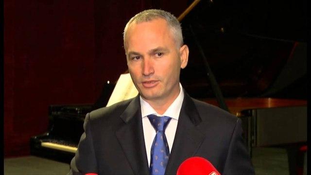 """Ashot Khachaturyan """"zbarkon"""" në Tiranë, koncert bamirësie për fëmijët me probleme"""