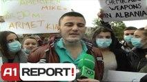 A1 Report - Elbasan,  nxënës dhe qytetarë protesta kundër armëve kimike siriane