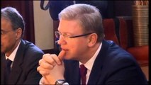 Komisioneri Fyle nis vizitën zyrtare në Tiranë.  Takime me krerët më të lartë të shtetit