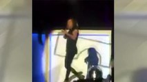 Dünyaca ünlü şarkıcı sahnede fena düştü