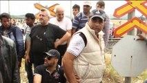 Maqedoni, gaz lotsjellës mbi emigrantët në kufi me Greqinë - Ora News-