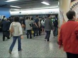 Rush hour train close doors for 4 times @ Hong Kong MTR Admiralty Station