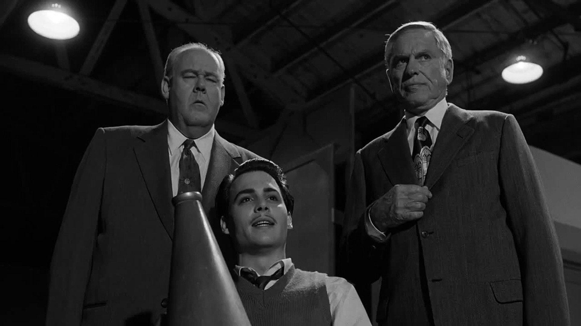Ed Wood [1994] scene -- Edward D. Wood Shoots 'Plan 9 from Outer Space' in a Phony Graveya