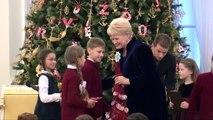 """""""Knygų Kalėdos"""" prasideda: Prezidentė kviečia skaityti ir dalintis"""