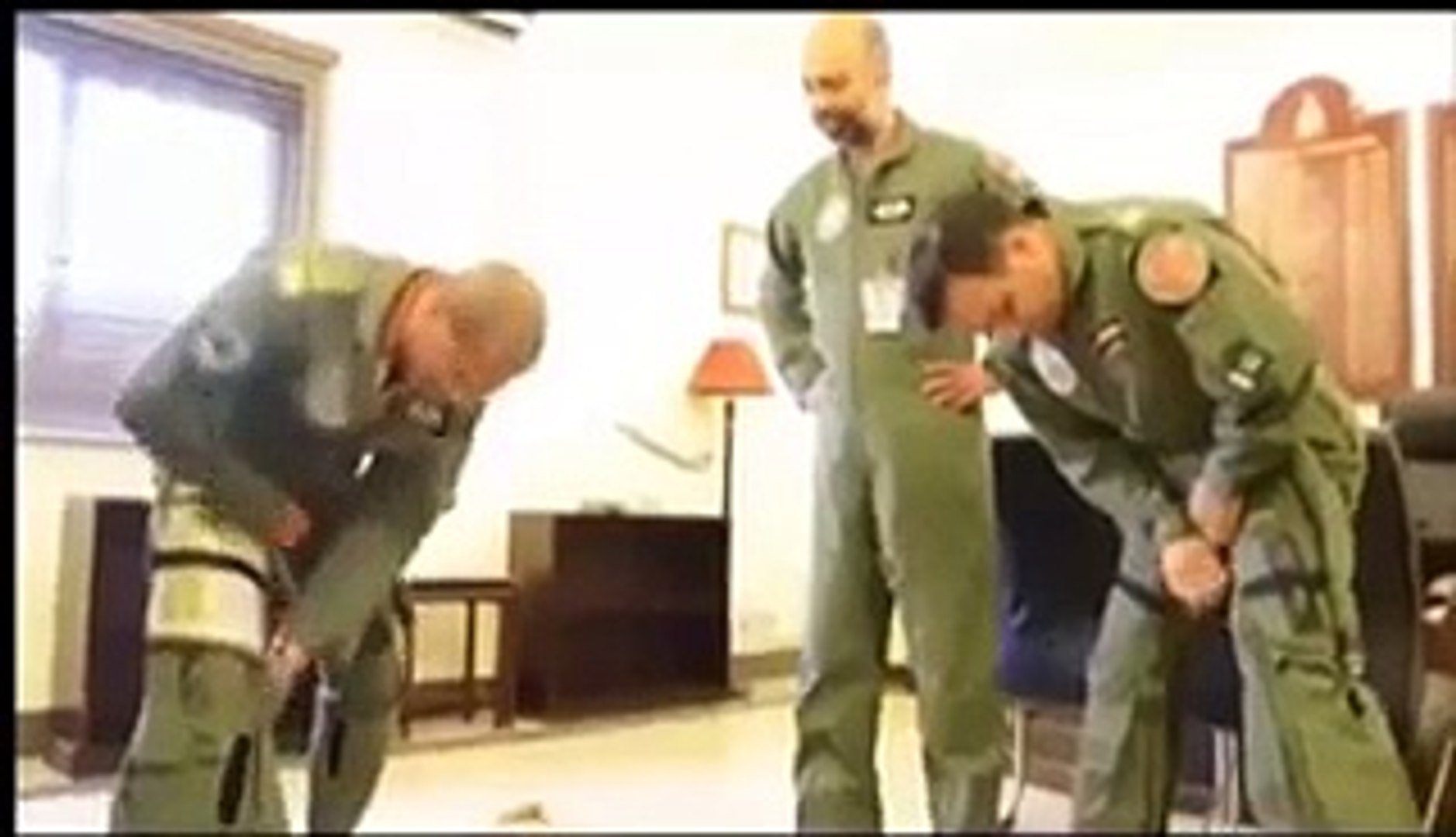 Exclusive Footage- Air Chief Leading the Air Strikes in Zarb-e-Azab - Video Dailymotion