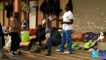 """مع مهاجرين غير شرعيين في مدينة  """"كاليه"""" الفرنسية"""