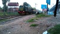 Pakistan Railways:205up Babu Passenger Departuring Gujranwala City