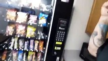 How to hack a vending machine - video dailymotion