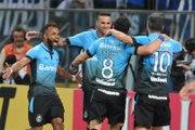 Grêmio vence o Coxa e avança às quartas de final da Copa do Brasil