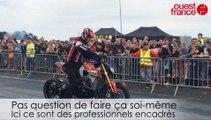 Concentration motos à Saint-Lô. Des pros font des acrobaties