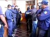 Policías de Angangueo acusan a su director, el alcalde los reta a golpes
