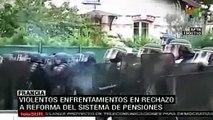 Violentos disturbios en Francia en rechazo a reforma de sistema de pensiones