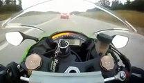 Il se fait doubler à plus de 300 km/h en moto par une voiture
