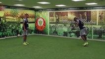 Muita habilidade! Gabriel Jesus e Kelvin dão show em vestiário do Palmeiras