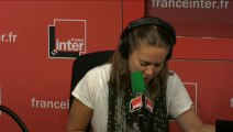 """Le Billet de Charline : """"Emmanuel Macron a raté son bus pour La Rochelle..."""""""