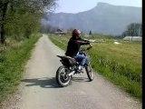 moto en mhr team en rodage