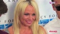 Exclu Vidéo : Pamela Anderson : épanouie aux côtés de ses fils Brandon et Dylan Lee aux Mercy For Animals !