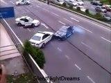 Un chauffard se croit dans Fast and Furious et drift pour échapper à la police