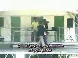 Ce danseur fait le Moonwalk sur les genoux... Knee Moonwalk
