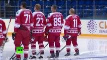 Vladimir Poutine dispute un match exhibition de hockey avec Alex Ovechkin
