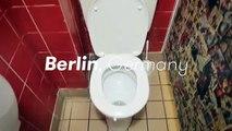 Un homme fait le tour du monde des toilettes publiques, une vidéo à chier...