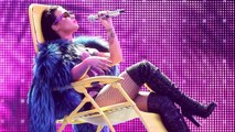 "Demi Lovato Twerks with Iggy Azalea ""Cool for the Summer"" 2015 MTV VMA Performance"