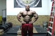 Bodybuilder Phil Heath Gym Posing