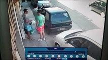 Méthode musclée pour sortir sa voiture de sa place de parking!