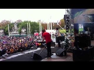 FEELING OF LOVE - Empty Trash Bag - (Live at Rock En Seine 2011)