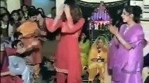 SABA QAMAR IN WEDDING PRIVATE DANCE 2014 new