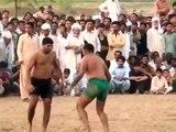 Kabaddi, le sport de combat où les têtes à claques se mettent des baffes  (Pakistan)
