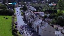 Cyclisme: un spectateur évite une grosse chute au grand prix de Fourmies