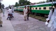 Pakistan Railways:6dn GreenLine Departuring Gujranwala City