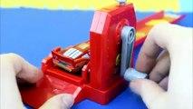 Disney Pixar Cars Crank Launcher with Stunt Racers Lightning McQueen